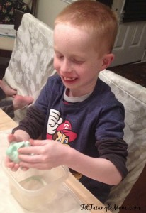 How to make slime- an easy and fun science experiment for kids.