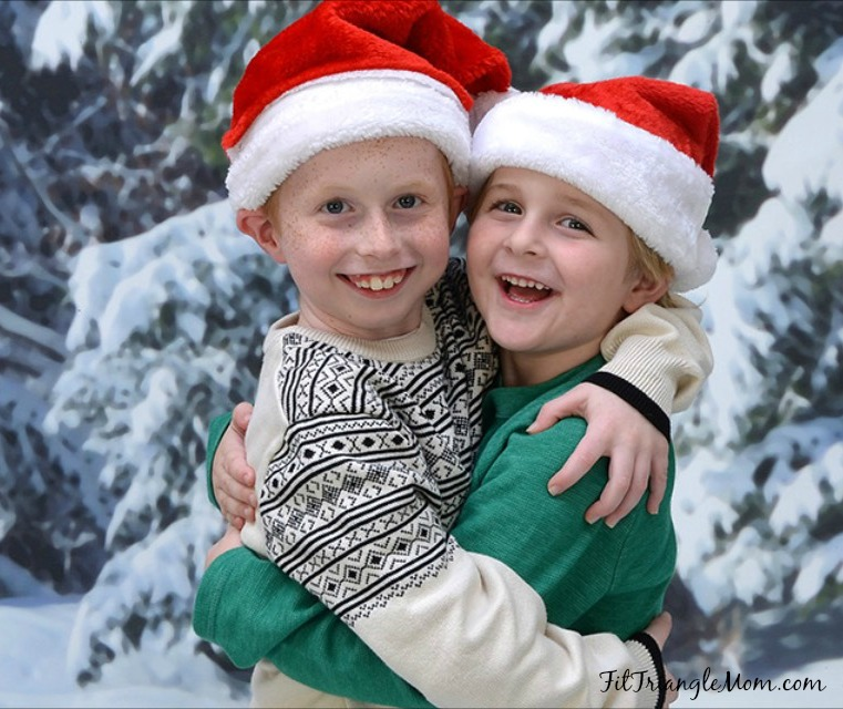 4 easy steps to stress less this Christmas. Give pictures for presents. Save big and stress less at Portrait Innovations. #sponsoredpost